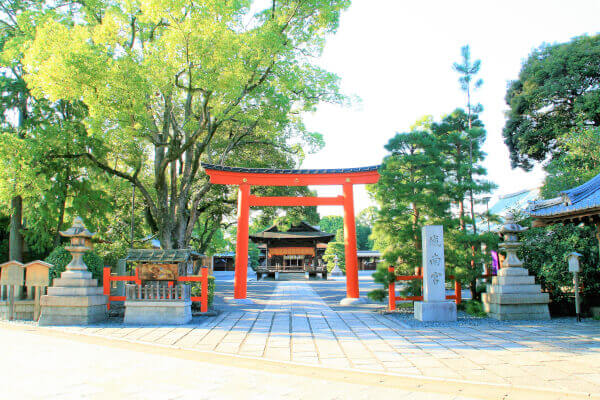 Main Torii and Haiden of Jonangu Shrine.